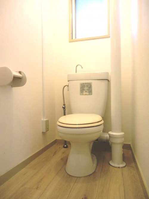 soho offiice toilet